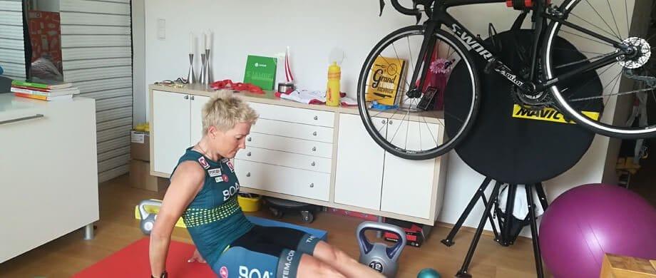 Radsportlerin Yvonne Marzinke im Homeoffice