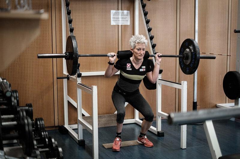 Yvonne Marzinke beim Gewichtheben